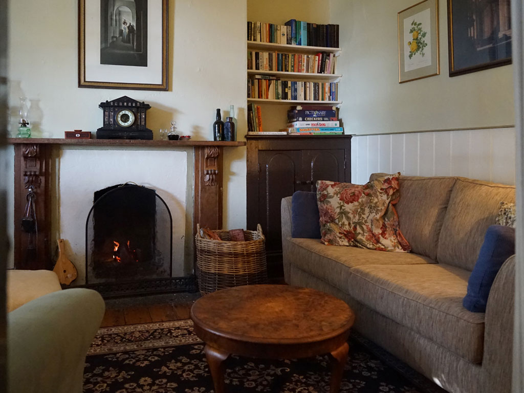 The Cottage Gallery – No.1 William St, Port Fairy